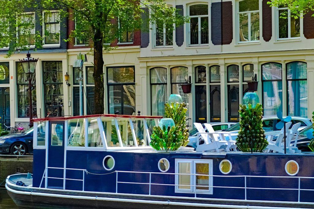 Höllandisches Hausboot